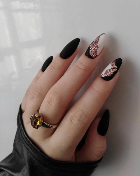 модный дизайн с фольгой черного цвета