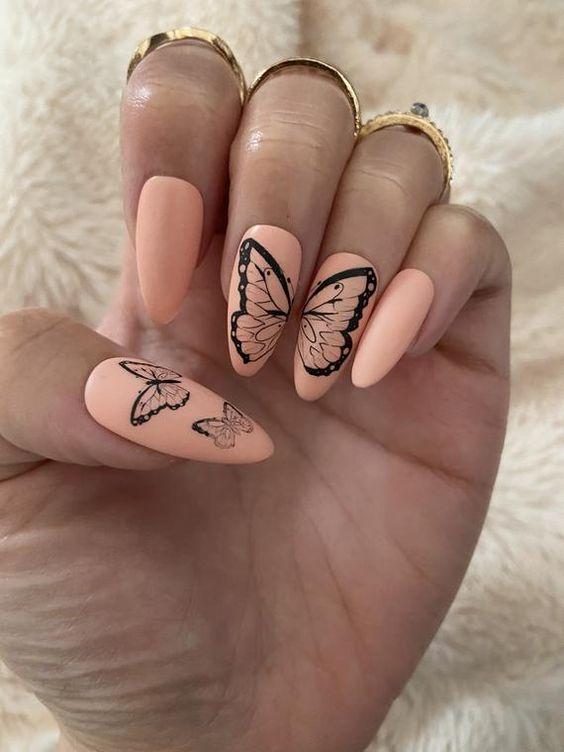 бабочки на ногтях 2021